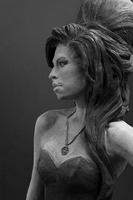 Amy Winehouse Memorial Statue, Camden London. Profile.