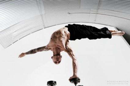 scott eaton's bodies in motion project,  male handbalancing
