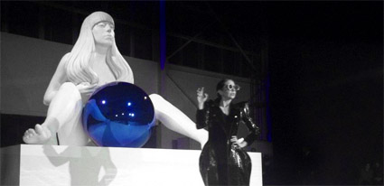 LadyGaga_sculpture1tn
