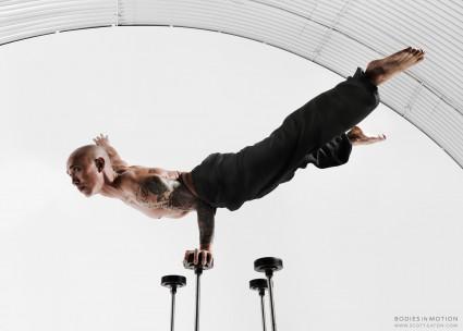 Scott Eaton Photography - Bodies in Motion circus handbalancing, balance, strengh, calm