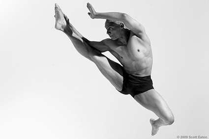 bodies in motion, dynamic figure reference for artists