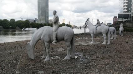 Thames Horses, Scott Eaton for Jason deCaires Taylor's  The Rising Tide